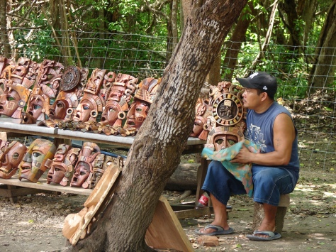 Este contingente de 200 personas de Yucatán , serán recibidos por representantes del mercado de Tepito y por los artesanos de Teotihuacán   Foto: INTERNET