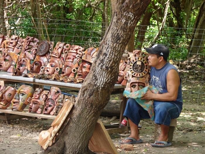Este contingente de 200 personas de Yucatán , serán recibidos por representantes del mercado de Tepito y por los artesanos de Teotihuacán | Foto: INTERNET
