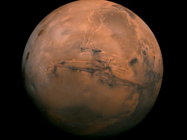 habló de una misión tripulada de Marte del gobierno junto con la industria privada para antes de 2030 | Foto: AP