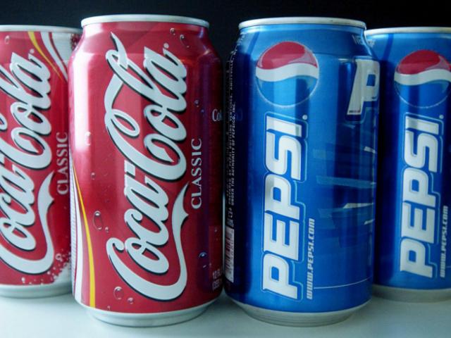 La investigación resalta el caso de la ONG Save the Children, que apoyaba los impuestos a los refrescos, pero que dejó de hacerlo en 2010 después de recibir más de cinco millones de dólares de Coca-Cola y PepsiCo en 2009
