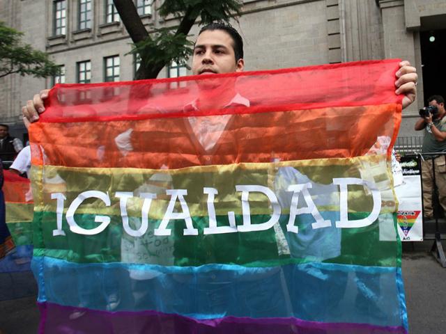 El cinismo del PRI y su voto en contra de la ley del matrimonio igualitario | Armando Pacheco