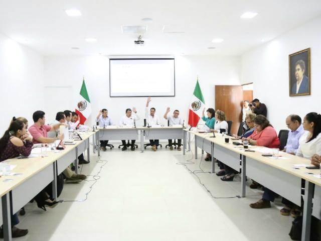 Avalan por unanimidad primeros dictámenes del paquete fiscal 2017 de Yucatán