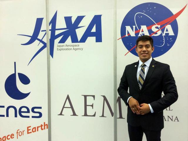 Con sólo dos décadas de vida en la Tierra, mexicano Yair Piña se prepara para viajar a Marte