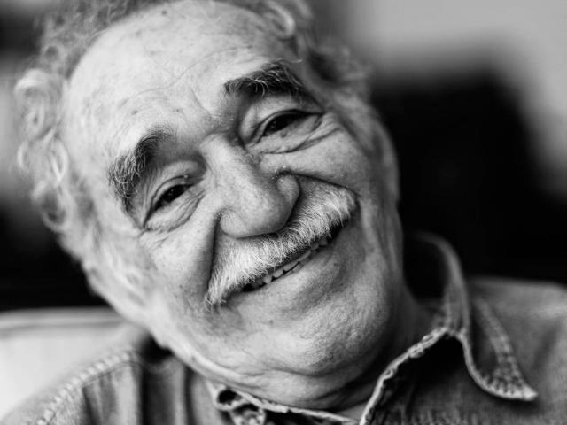 Rosas amarillas en el cumpleaños 90 de Gabriel García Márquez | Manuel Bello Hernández