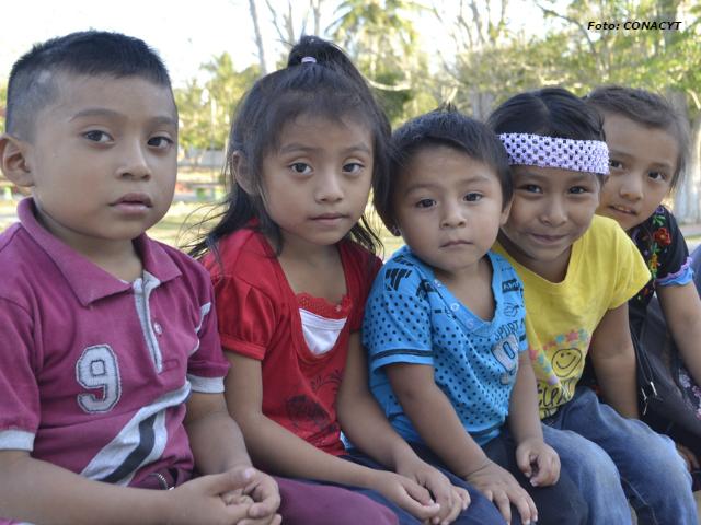 Buscan prevenir la desnutrición en niños mayas | Marytere Narváez