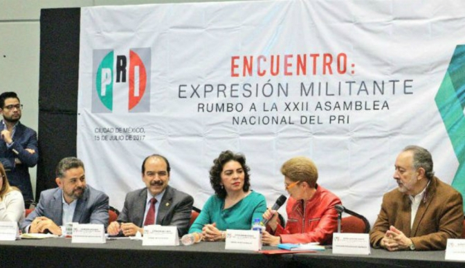 """Ivonne Ortega y """"aliados"""" piden que el PRI evite el dedazo y no entregar el poder """"en bandeja de plata"""" a Morena"""