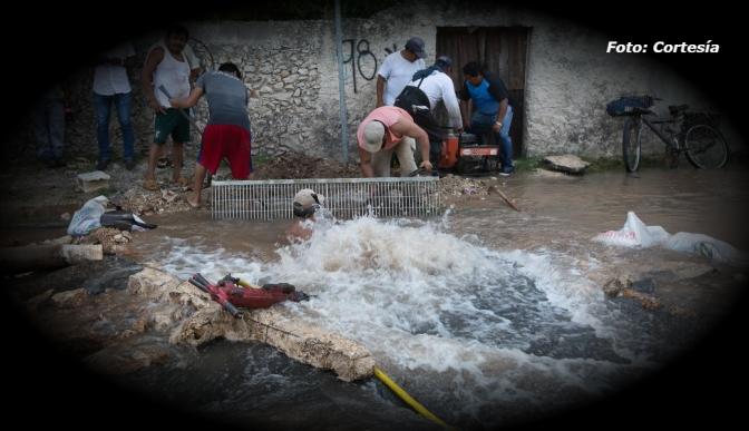 Japay atienden fuga de agua que afecta a 20 mil usuarios