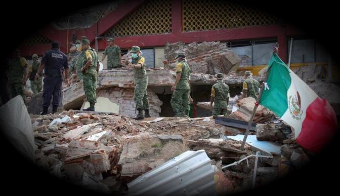 """""""Sólo quieren joder al pueblo"""", reclaman damnificados a funcionarios en Oaxaca"""
