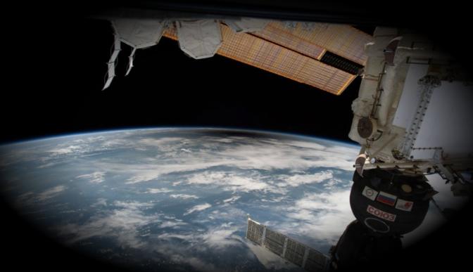 NASA y Roscosmos construirán estación orbital en la Luna