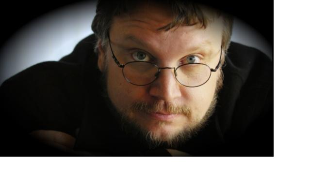 No me gusta que EPN me felicite; a la hora de votar tenemos que hacer algo diferente: Guillermo del Toro
