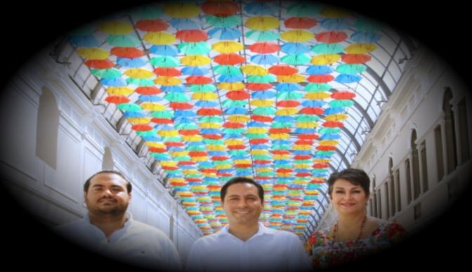 """Inauguran en Mérida """"El Paseo de las Sombrillas"""" en el Pasaje Revolución"""