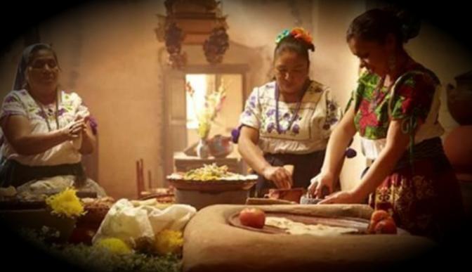 Cocineras purépechas muestran por qué la UNESCO reconoce a la cocina mexicana
