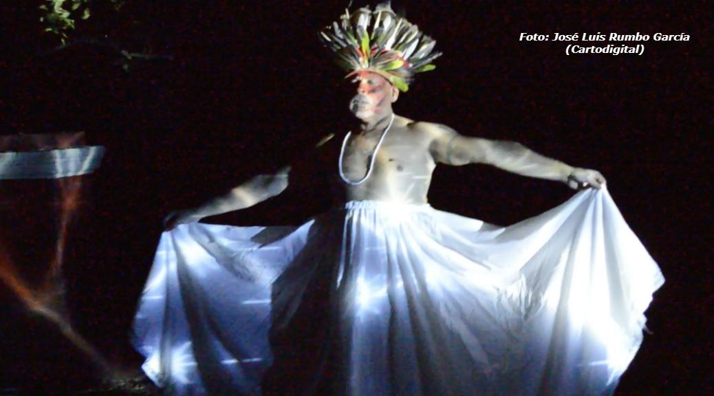 Rememorar a los ancestros a través de las constelaciones, tema del performance de Raúl Ferrera-Balanquet | Armando Pacheco