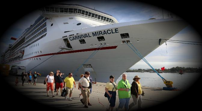 Arriban más de dos mil turistas a Mazatlán a bordo de crucero
