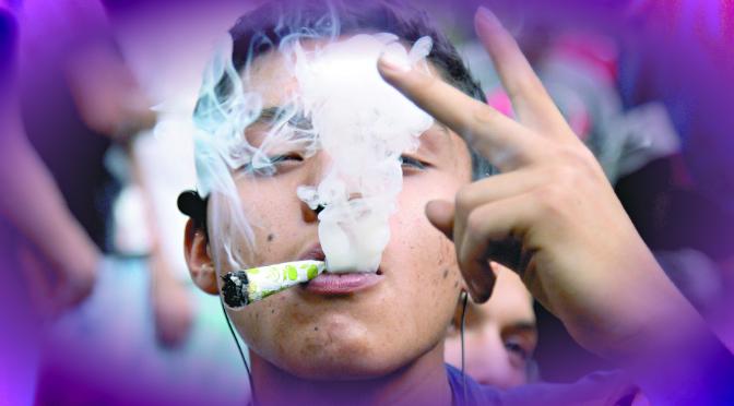 Fumadores de marihuana tienen más sexo que quienes no fuman