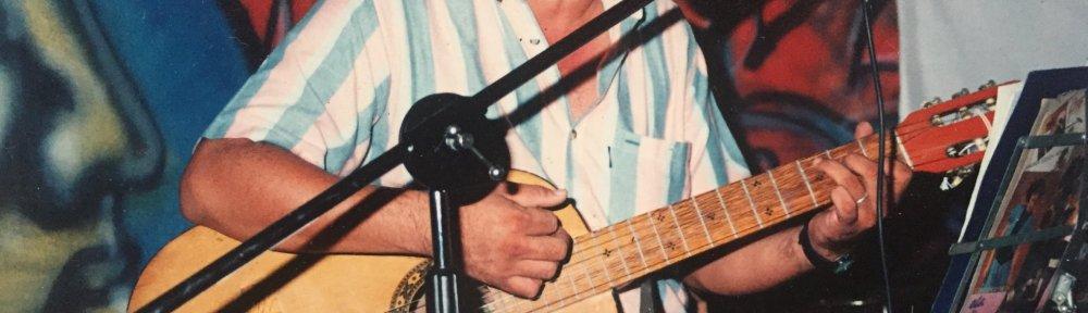 En la imagen, el compañero Tony Hidalgo (q.e.d) quien brindó su talento en innumerables ocasiones en La Casa de Todos